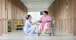 Importância da higiene bucal do paciente hospitalizado