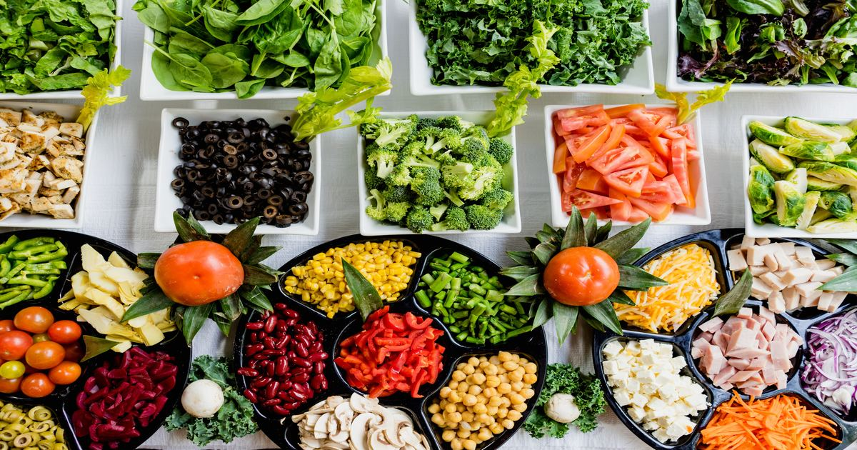 Mesa de legumes e verduras - Conheça a candidíase oral e como funciona o tratamento