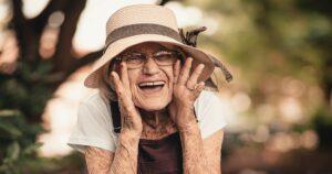 Saúde bucal do idoso demanda cuidados especiais