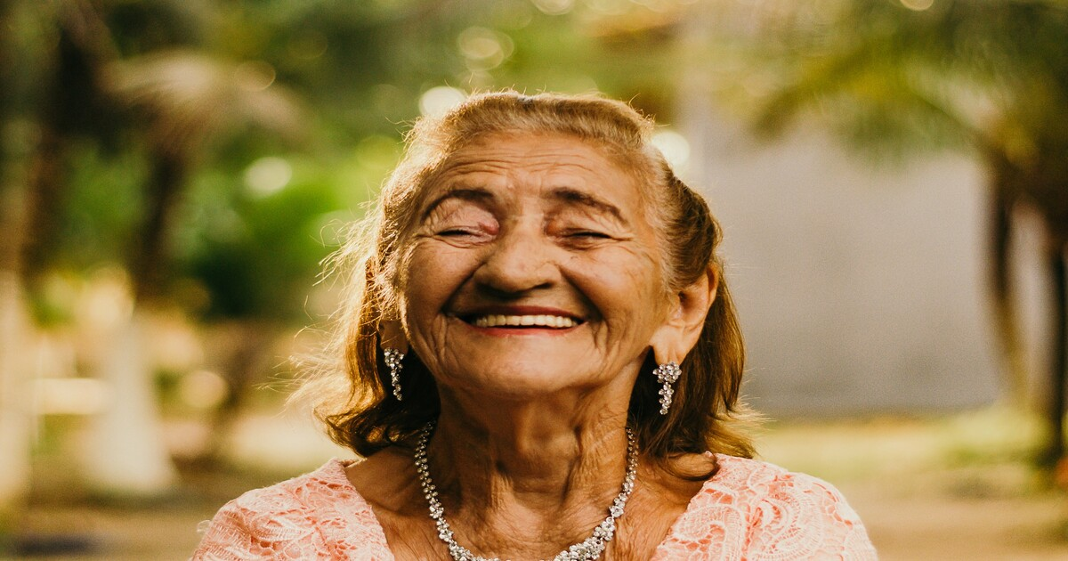 Por que o paciente idoso deve consultar um odontogeriatra?
